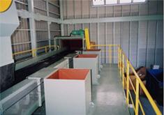 破砕設備 ベルトコンベアと手選別施設